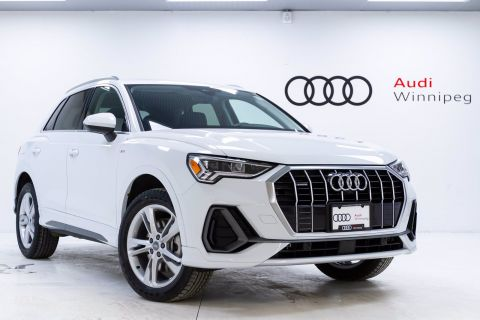 2020 Audi Q3 Technik w/Wireless Charging *DEMO*
